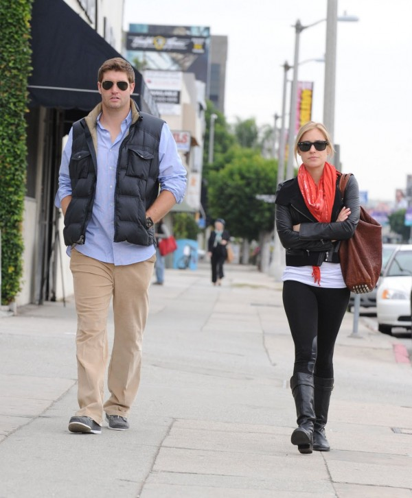 Best Kristin Cavallari with Jay Cutler Style When Walking Along stylish 600x726 Best Kristin Cavallari with Jay Cutler Style When Walking Along