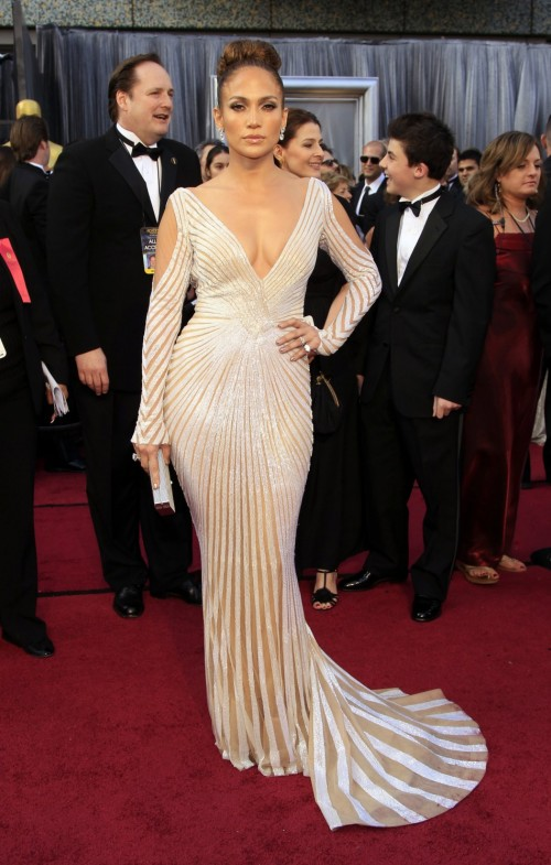 Oscars Red Carpet 2012 for Best Dressed and Biggest Trends jennifer lopez 500x785 Oscars Red Carpet 2012 for Best Dressed and Biggest Trends