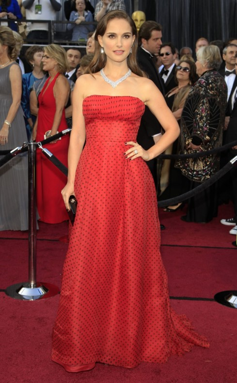 Oscars Red Carpet 2012 for Best Dressed and Biggest Trends natalie portman 489x790 Oscars Red Carpet 2012 for Best Dressed and Biggest Trends