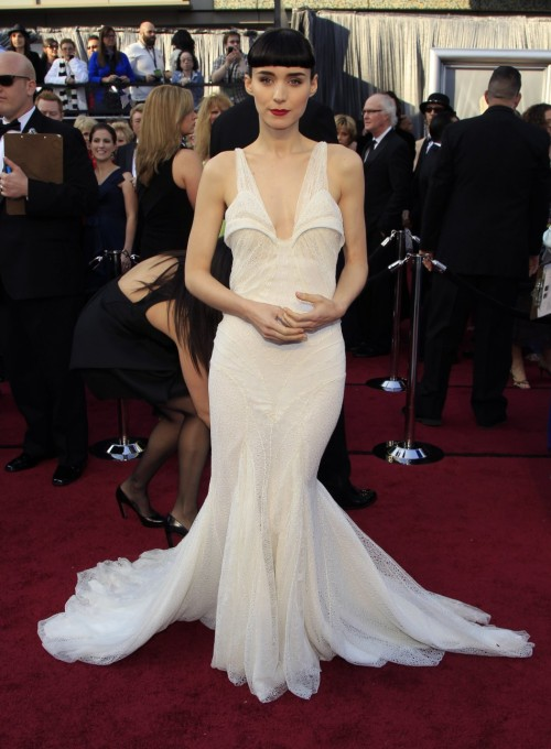 Oscars Red Carpet 2012 for Best Dressed and Biggest Trends rooney mara 500x680 Oscars Red Carpet 2012 for Best Dressed and Biggest Trends