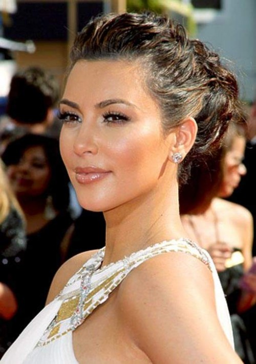 Kim Kardashian Long Hairstyle for 2012 elegant 500x710 Kim Kardashian Long Hairstyle for 2012