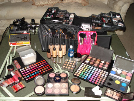 elegant makeup kits for girls 2013 Elegant Make Up Kits For Girls