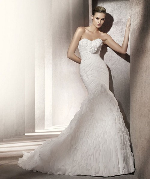 Wedding dress for large chest selection tips for Wedding dresses for big chest