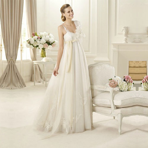 wedding dress for pregnant women