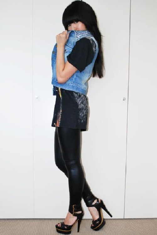 sleeveless jean jacket outfit
