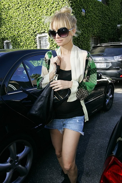 Hollywood Star Casual Wearing by Nicole Richie Hollywood Star Casual Wearing for Autumn.