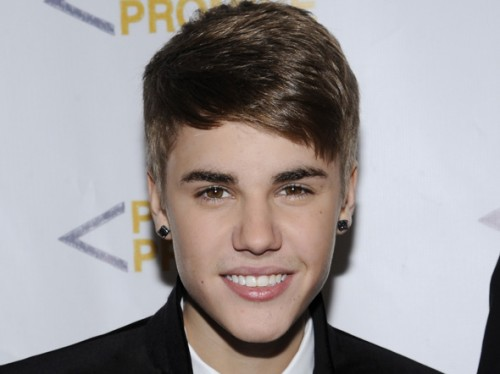 Justin Bieber Hairstyle 2012 Ideas 500x374 Justin Bieber Hairstyle 2012 for Trendy Look