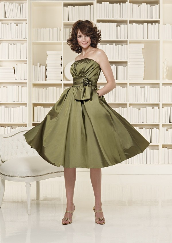 Olive green bridesmaid dresses to get gorgeous looks for Olive green wedding dresses