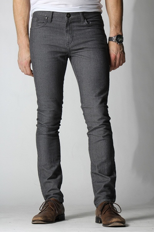 Black Skinny Jeans on Men for Casual and Formal Attire