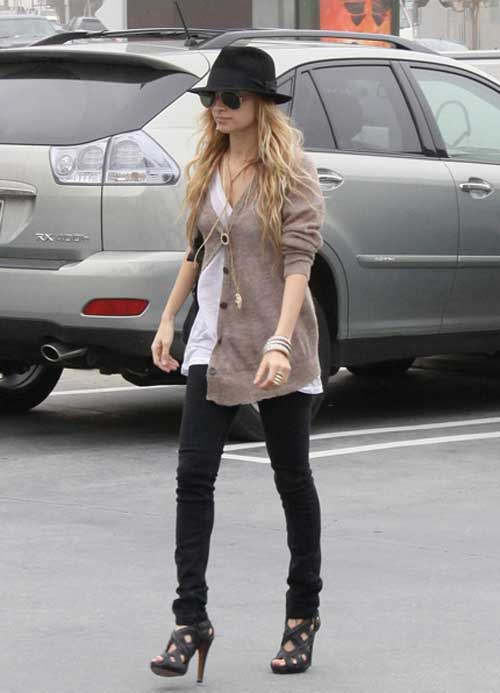 Nicole Richie Casual Outfit