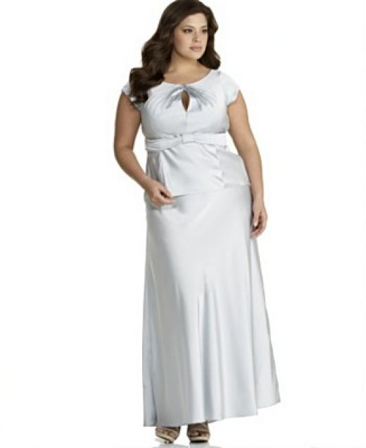 White Dress for Plus Size Women Dress for Plus Size Women which is Beauty and Charming