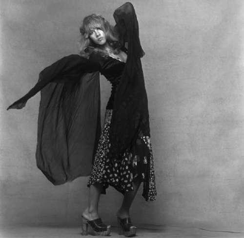 Stevie nicks casual 70s black dress fashion show on