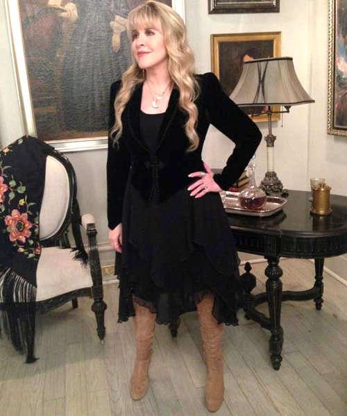 Black Dresses of Stevie Nicks - Fashion Show ON